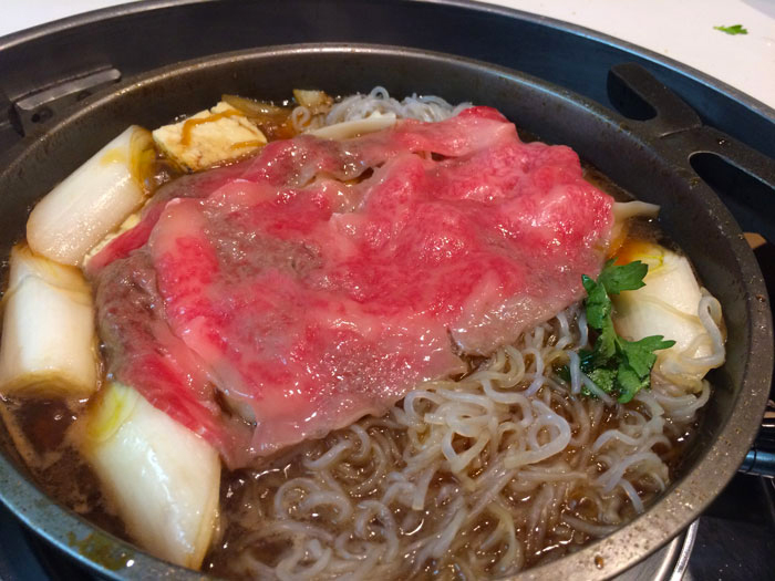 "Sukiyaki in famous and historical ""Janomeya"""